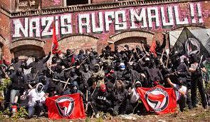smash nazis
