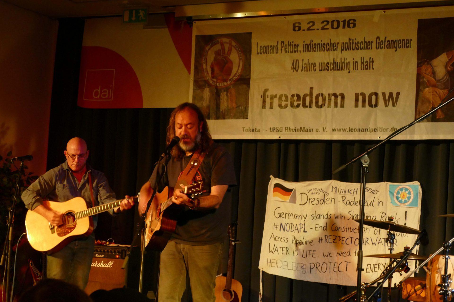 Leonard Peltier: Repression und indigener Widerstand in d… By Radio Aktiv Berlin Radio Podcast, Leonardpeltier, Usa, Clemencycoast2c…, Letthemgo