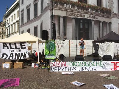 Reden vorm Hessichen Landtag und Hessischen Verkehrsministerium anlässlich der drohenden Rodung des Dannenröder Waldes